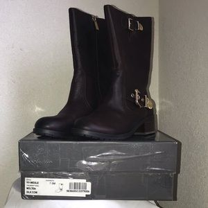 *Vince Camuto VV-Wexle leather boot